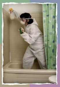 woman_cleaning_bathroom